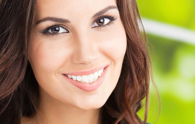 a woman smiles | northern suburbs, darwin invisalign