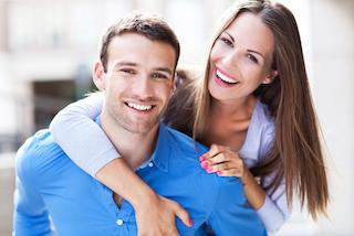 a couple smiles together | dentist northern suburbs darwin